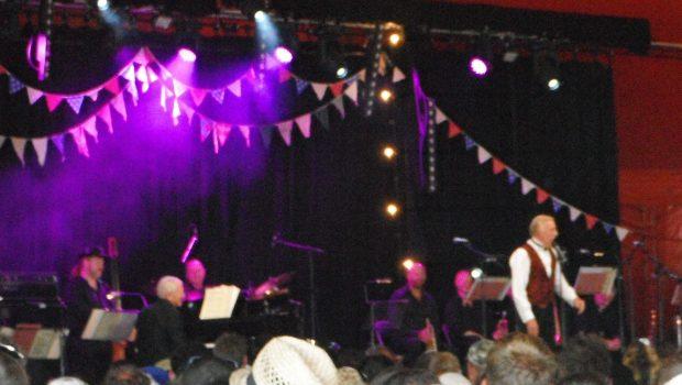 Bruce Forsyth at Glastonbury Festival