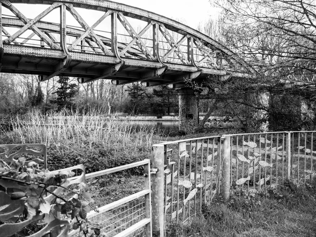 Old railway bridge over the Thames