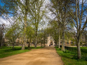 Walking to Christchurch College, Oxford