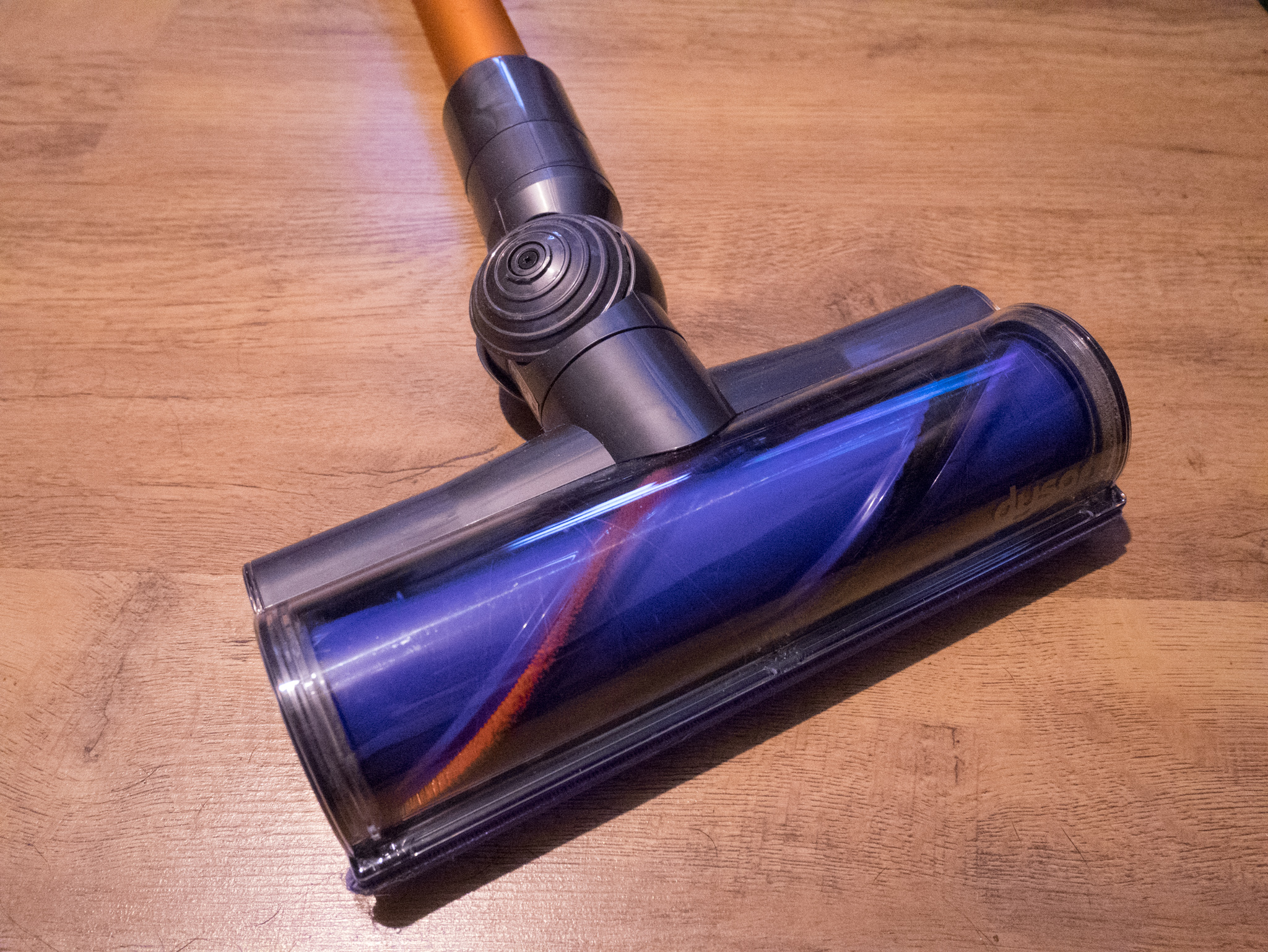 A review of the new Dyson V8 Absolute cordless vacuum cleaner – Is it worth it?