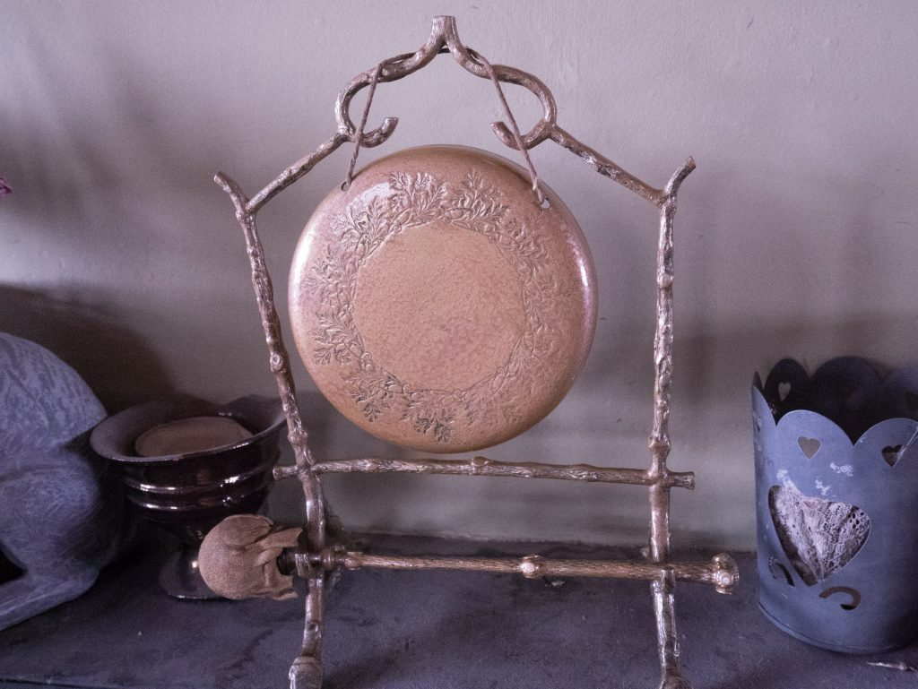 Gong painted with hammerite hammered copper paint