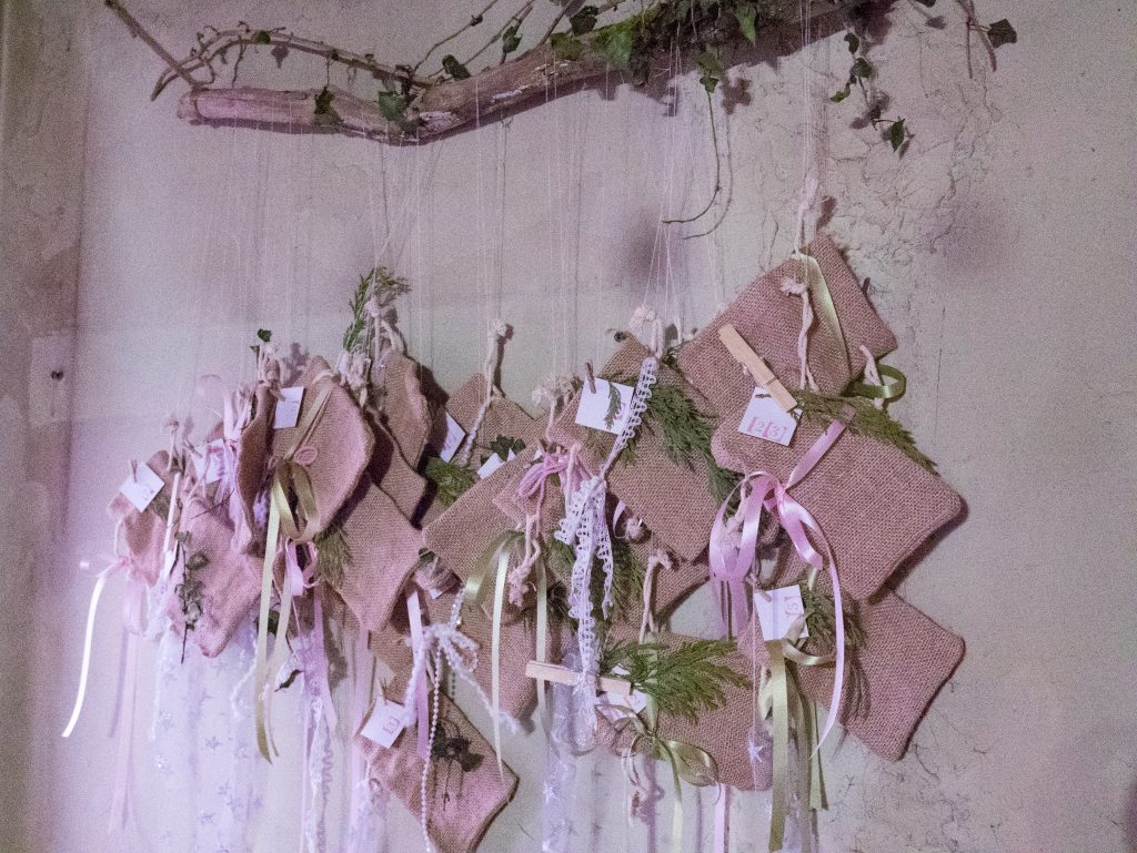 How to make a simple beautiful rustic advent calendar