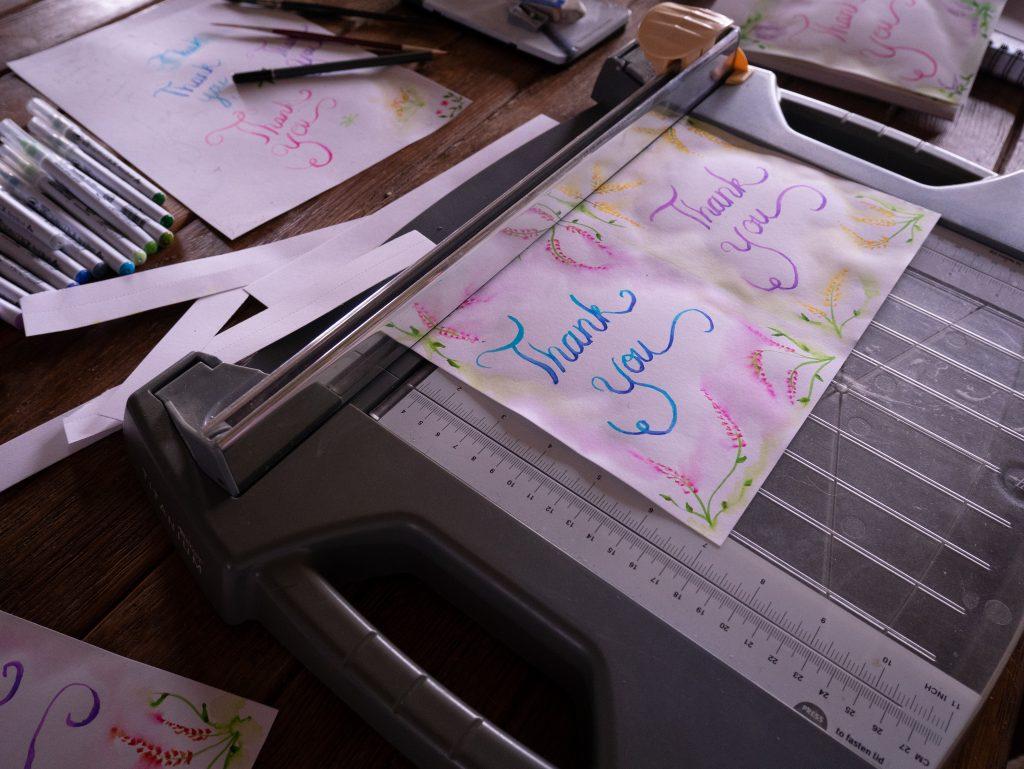 making thank you cards with kuretake brush pens