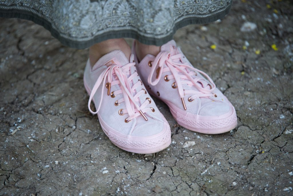 Pink suede Converse all stars