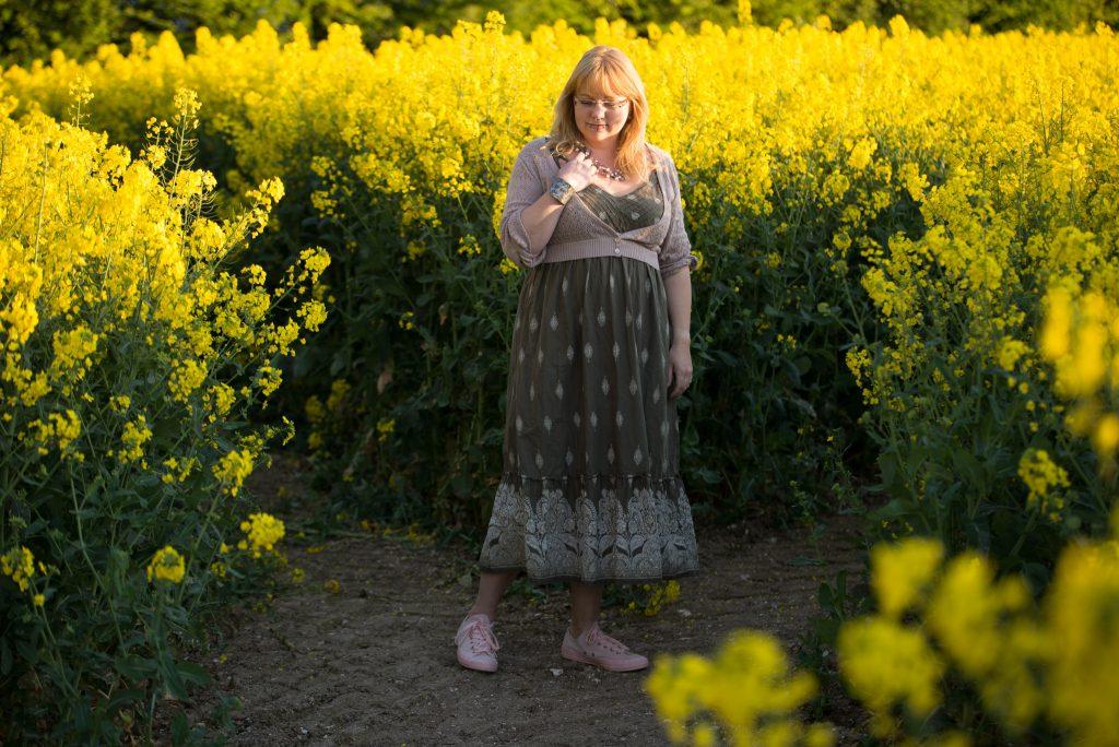 fashion blogger wearing a Joanna Hope dress