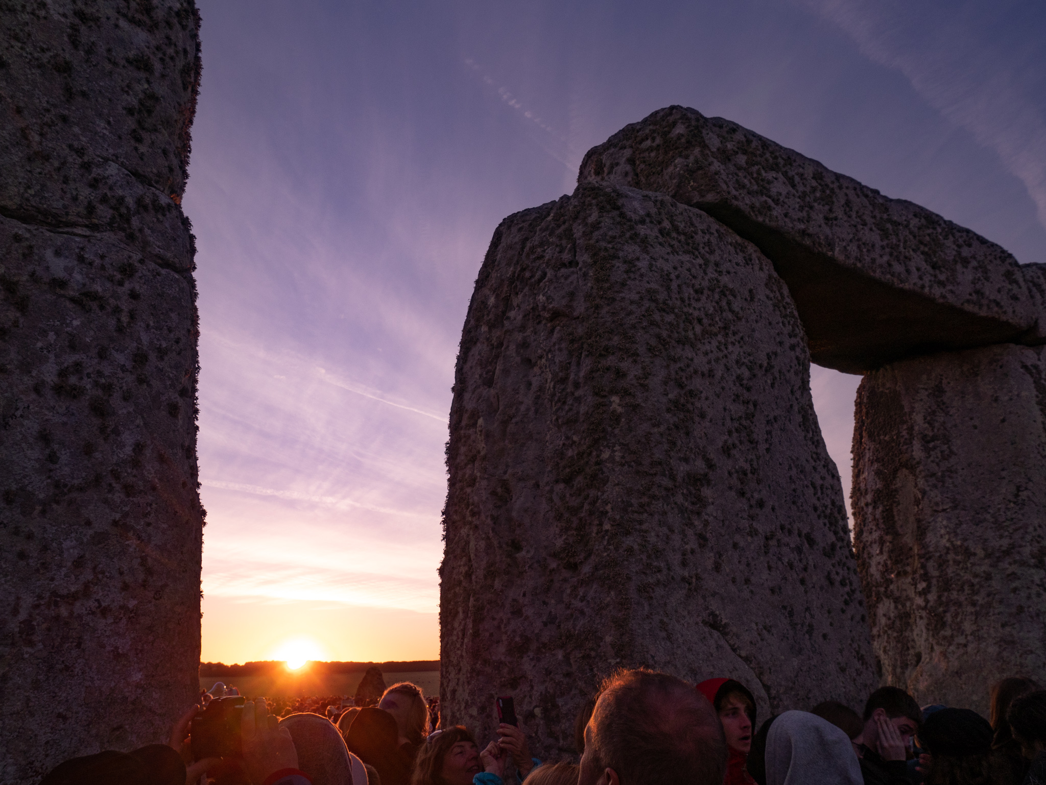 summer solstice sunrise at stonehenge