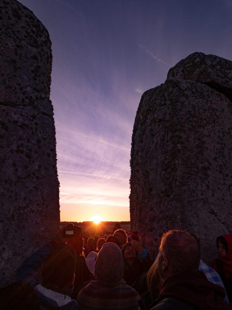 sunrise at stonehenge at midsummer solstice