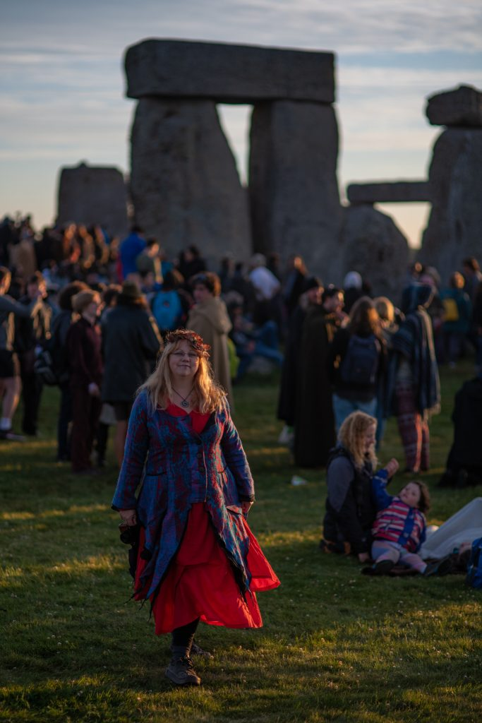 Travel blogger at Stonehenge for summer solstice