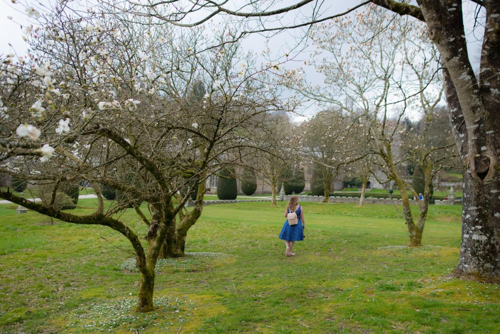 British lifestyle blogger walking in gardens