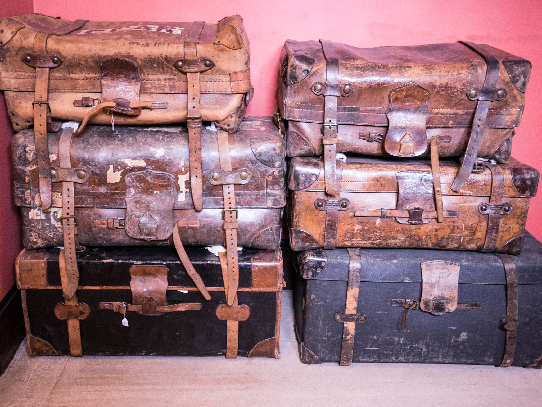 Vintage suitcases - planning emigrating