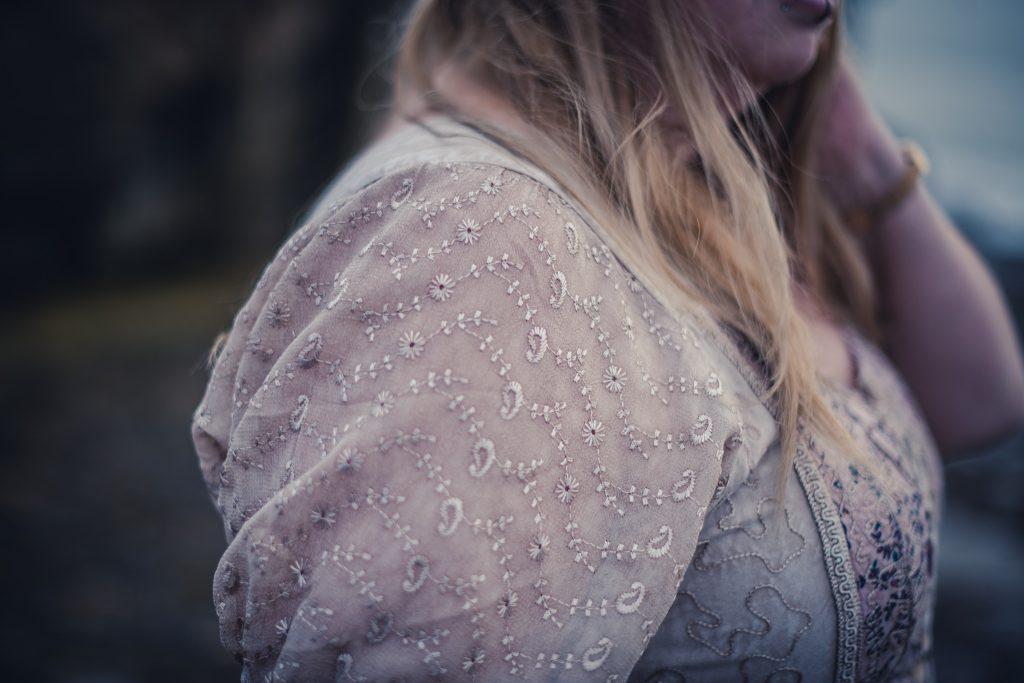 hippie dress details