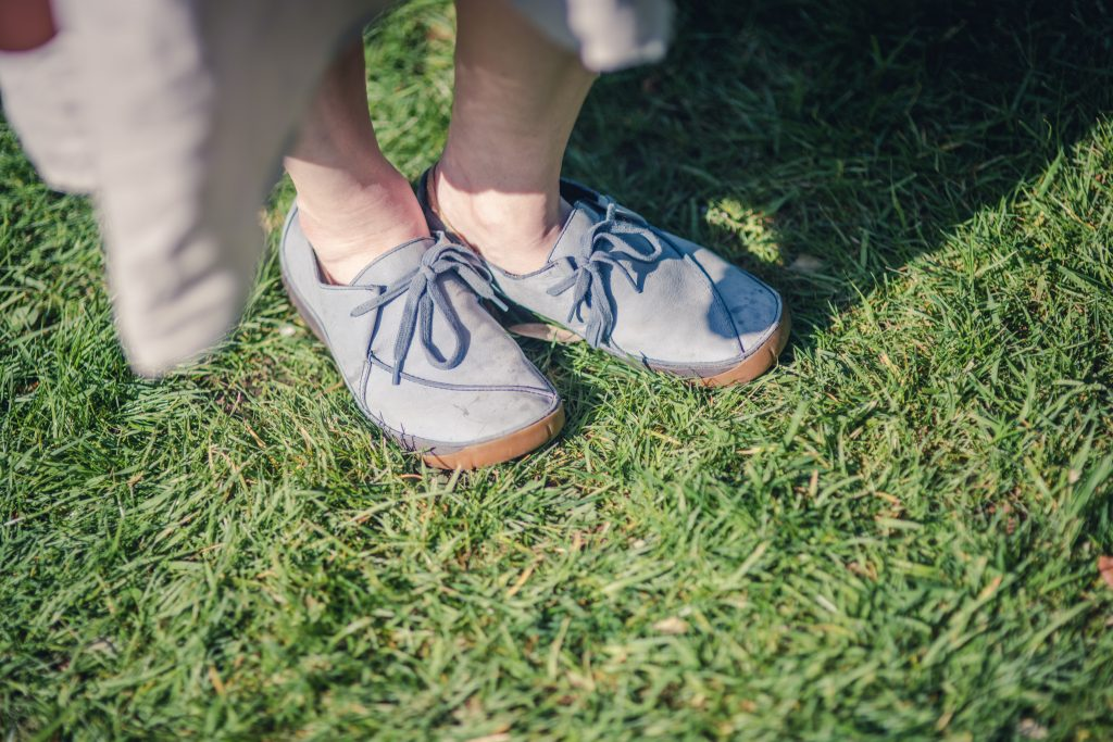 Styling Clarks blue lagenlook shoes