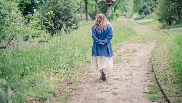 styling summer dresses for autumn